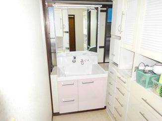 洗面リフォーム 空いた間口を有効活用した洗面所