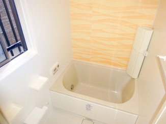 バスルームリフォーム 次に住まう方のための明るく使い勝手のよいバスルーム