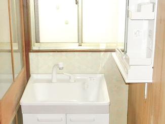洗面リフォーム コストを抑えながら収納の多い洗面台