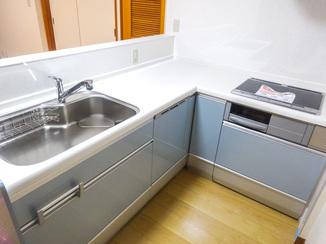キッチンリフォーム 憧れのL型キッチンと洗面台を2Fに新設