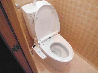 トイレリフォーム お値打ちながらも手入れしやすい節水トイレ