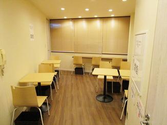 トイレリフォーム モダンな雰囲気の心地よい飲食スペース