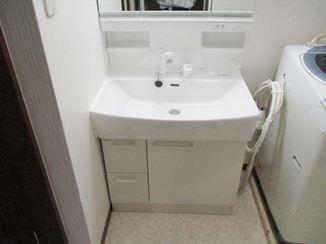 洗面リフォーム 清潔感あふれるホワイト基調の洗面空間
