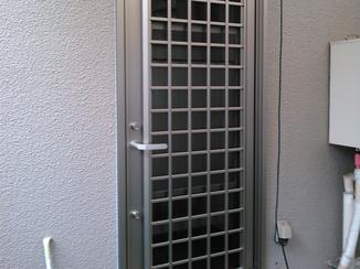 エクステリアリフォーム 防犯とデザイン性にもこだわった採風機能付きのドア