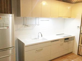 キッチンリフォーム 収納力アップで調理スペースを確保!時間も有効活用できるキッチン