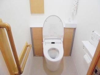 トイレリフォーム 広い空間でお手入れもラクラク!快適に使えるトイレにリフォーム