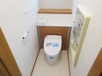 トイレリフォーム キャビネット一体型でスッキリお洒落なトイレ