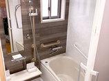 バスルームリフォーム安全性を第一に、断熱性能を高めバリアフリーにしたバスルーム