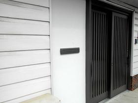 エクステリアリフォーム傾きを水平に直し、鍵がしっかりかかるようになった玄関ドア